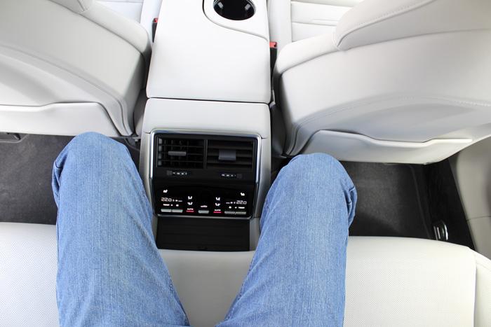 Porsche Panamera Sport Turismo Asiento central posterior