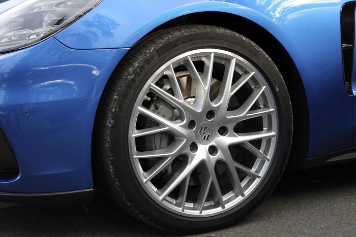 Porsche Panamera 4S Sport Turismo llanta