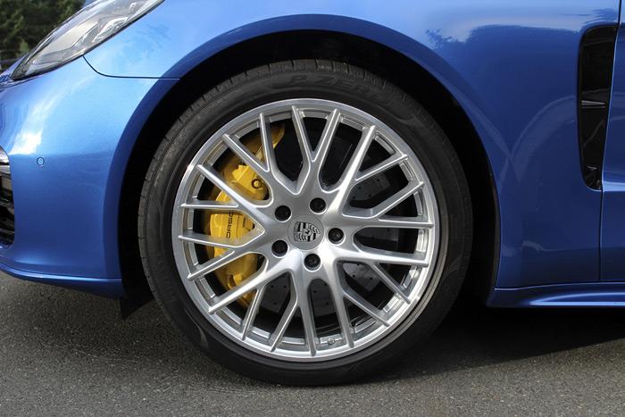 Porsche Panamera 4 Sport Turismo freno cerámico