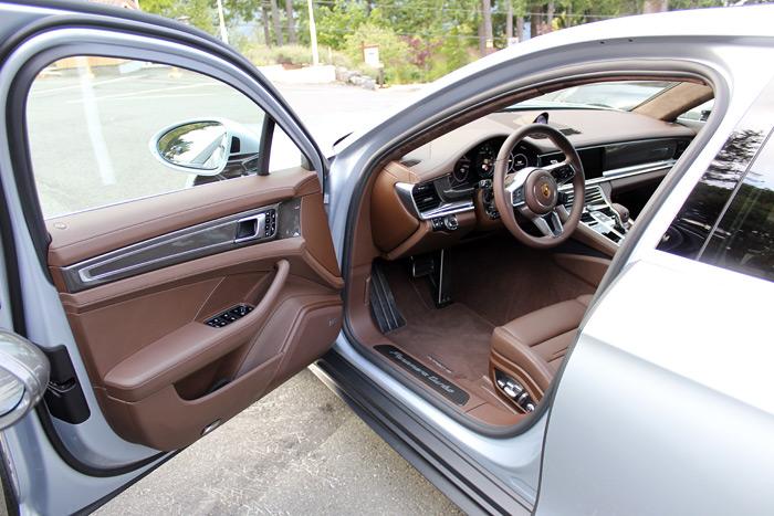 Porsche Panamera Turbo Sport Turismo tapicería marrón cohiba