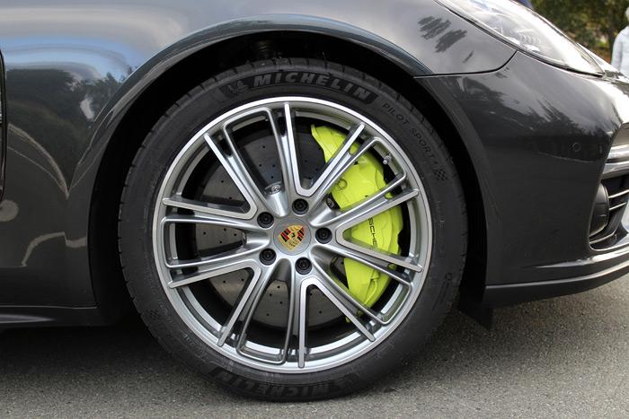 Porsche Panamera 4 E-Hybrid Sport Turismo llanta