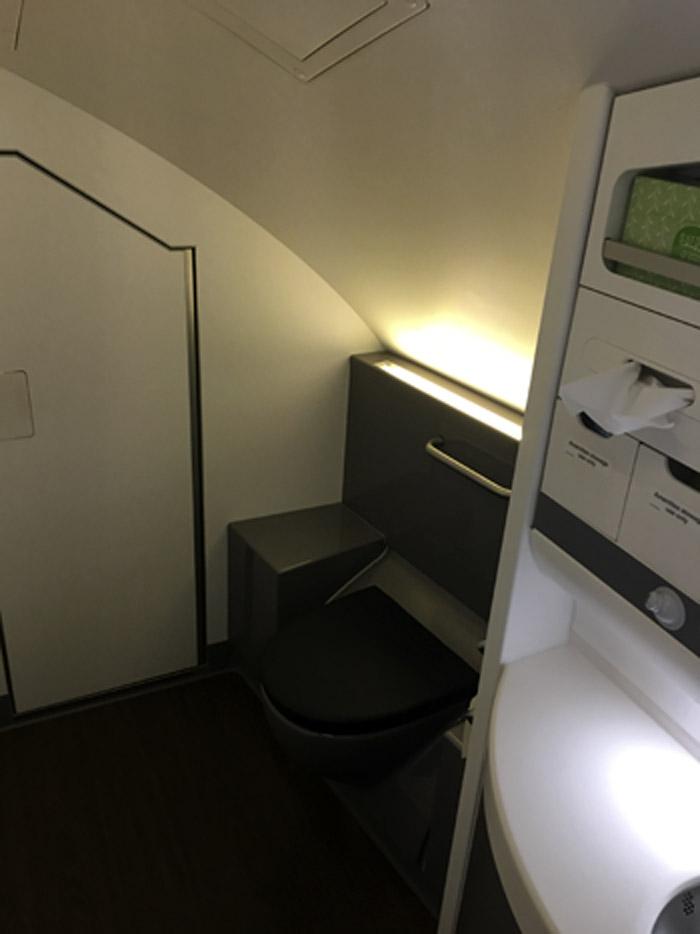 13-Airbus 380- Bathroom