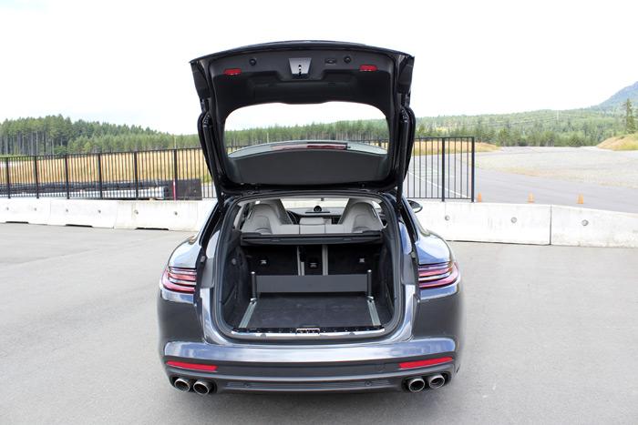 Porsche Panamera Sport Turismo. Detalles del interior.