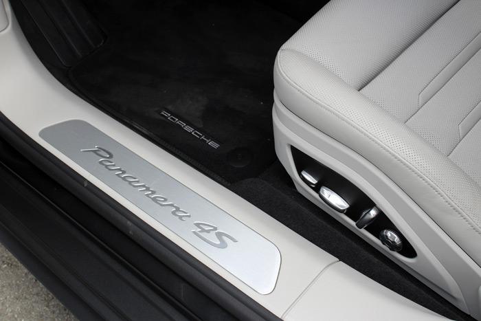 27-Porsche Panamera Sport Turismo