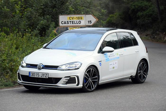 03-ja_Volkswagen-Golf-GTE