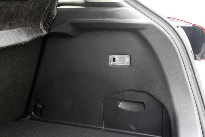 09-Mazda CX 3-Diurnos