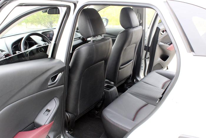 14-Mazda CX 3-Diurnos