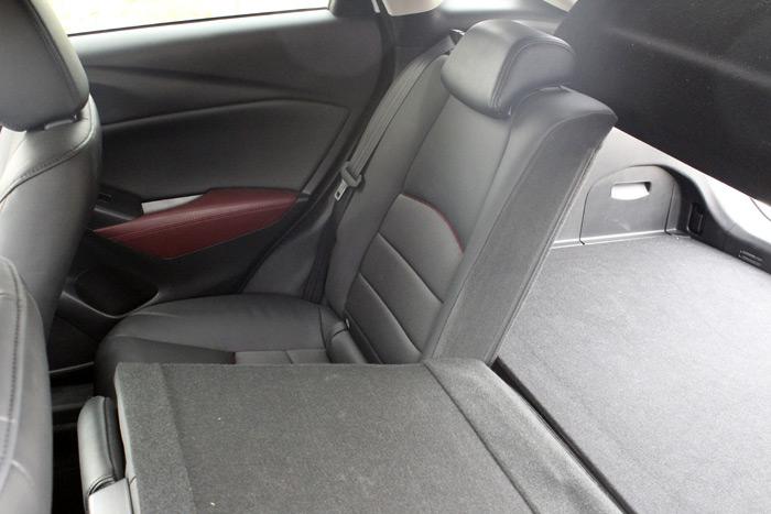 17-Mazda CX 3-Diurnos