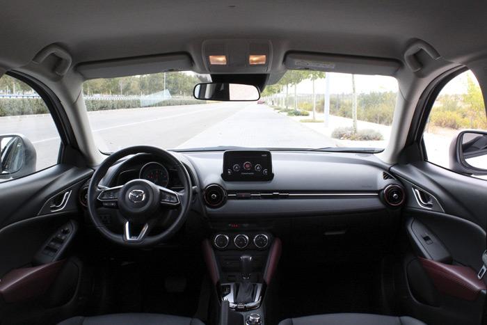 34-Mazda CX 3-Diurnos