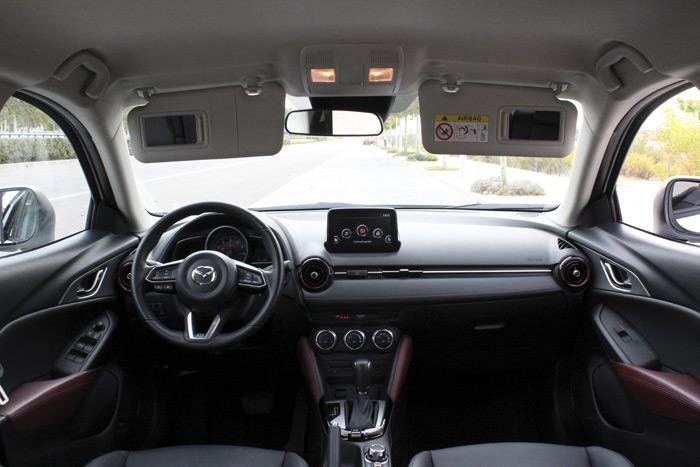 Diurnos. Mazda CX-3 Luxury 2.0 120 CV Aut
