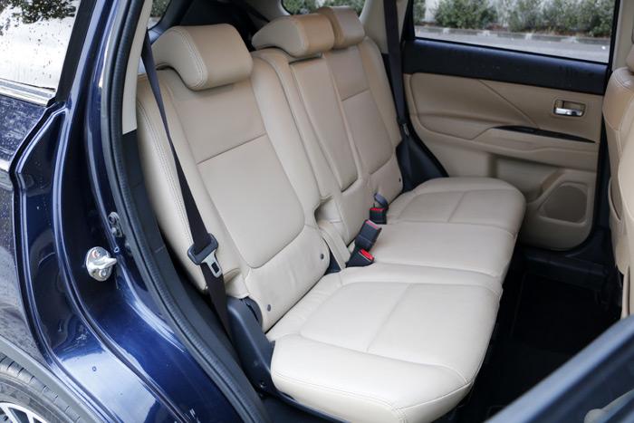 13- Mitsubishi Outlander siete Plazas