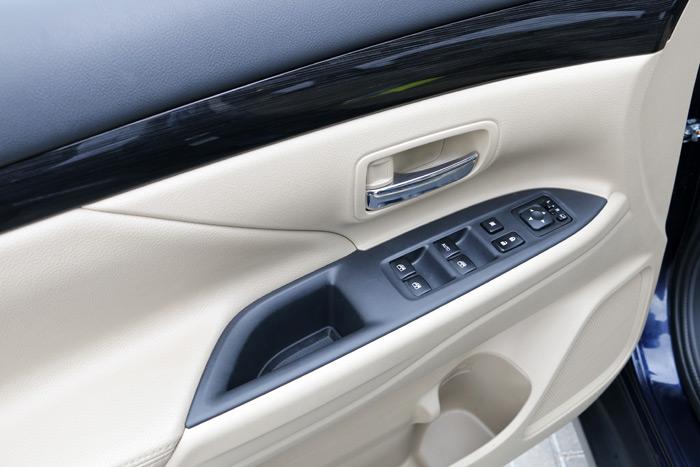 26- Mitsubishi Outlander siete Plazas
