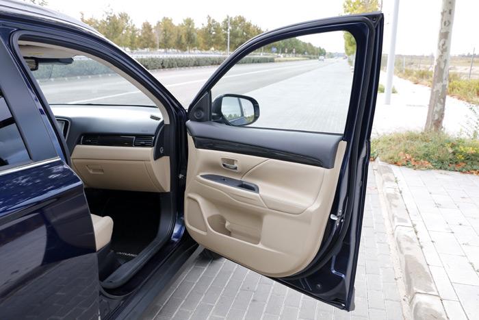 37- Mitsubishi Outlander siete Plazas