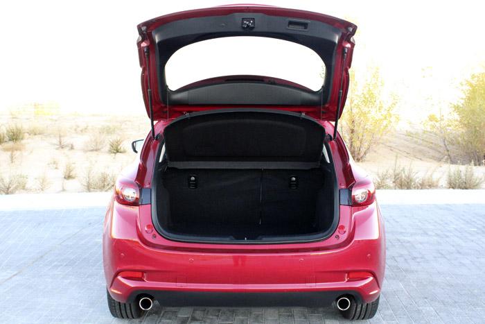04-Diurnos Mazda 3