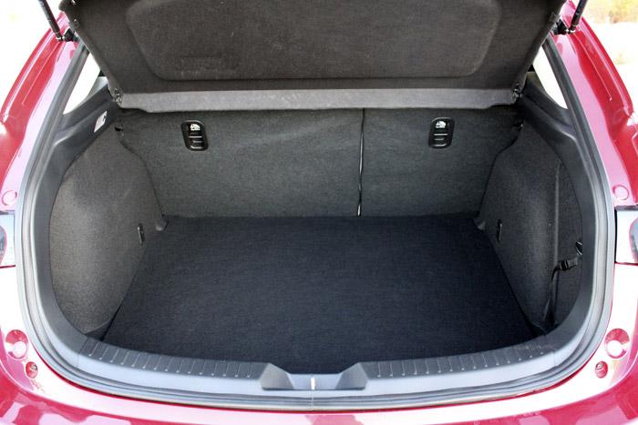 05-Diurnos Mazda 3
