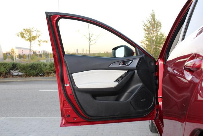 21-Diurnos Mazda 3