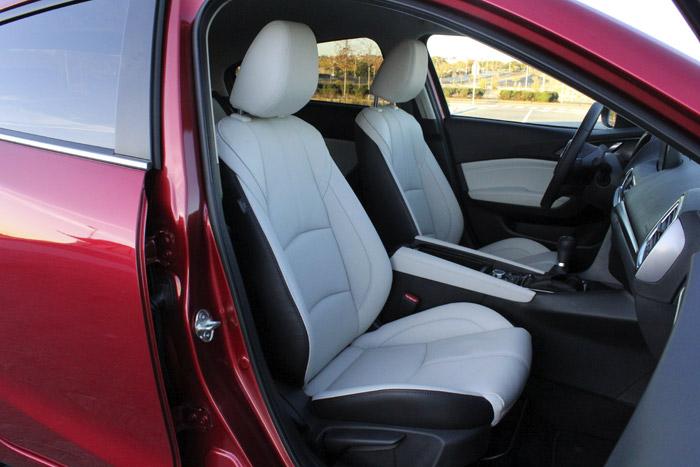 30-Diurnos Mazda 3