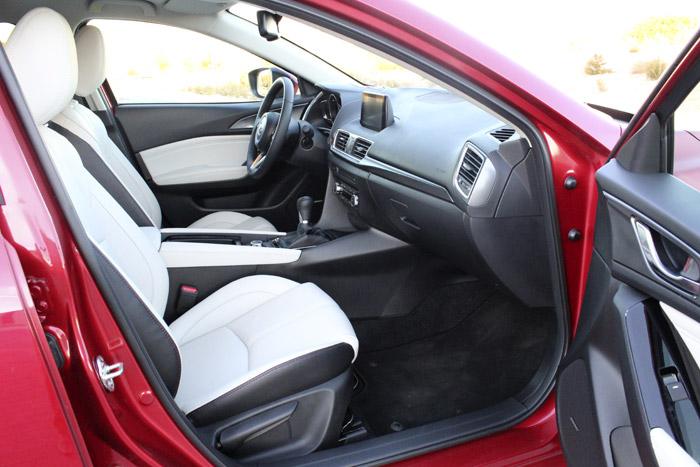 31-Diurnos Mazda 3