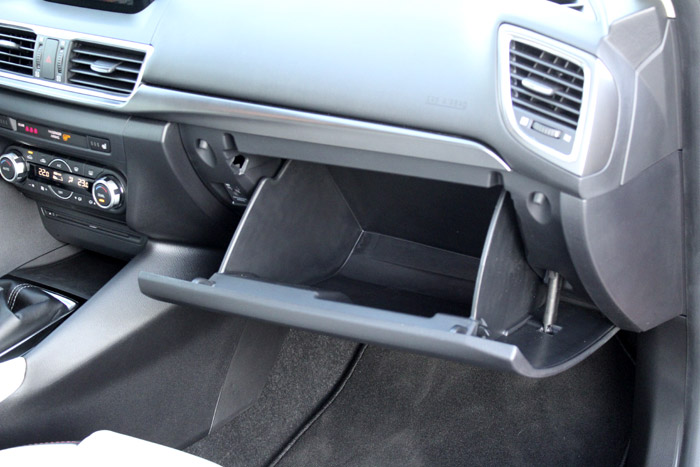 32-Diurnos Mazda 3