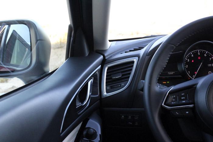 42-Diurnos Mazda 3