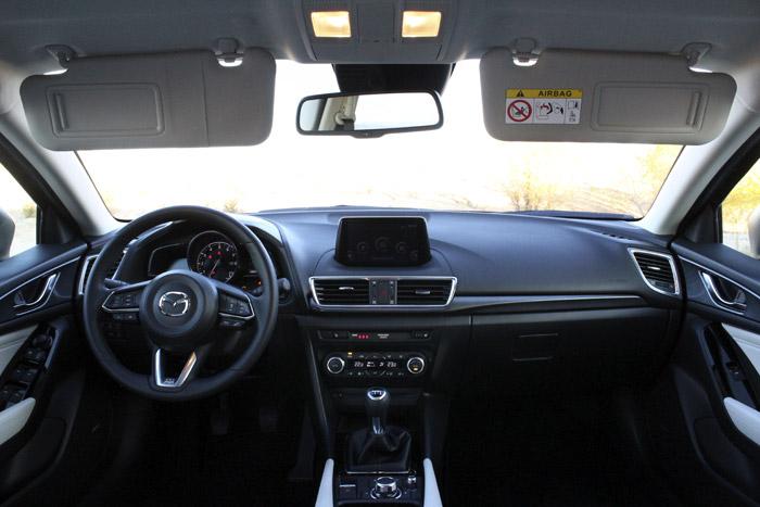 44-Diurnos Mazda 3