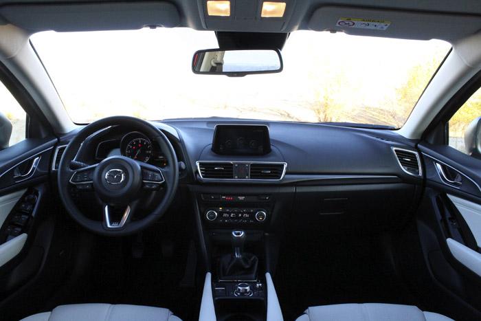 46-Diurnos Mazda 3