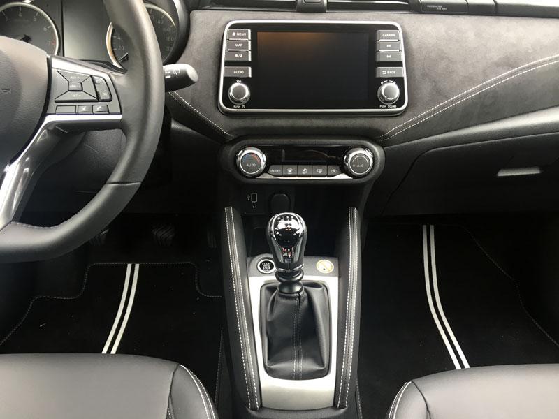 Nissan Micra N-Sport. Fotos del interior.