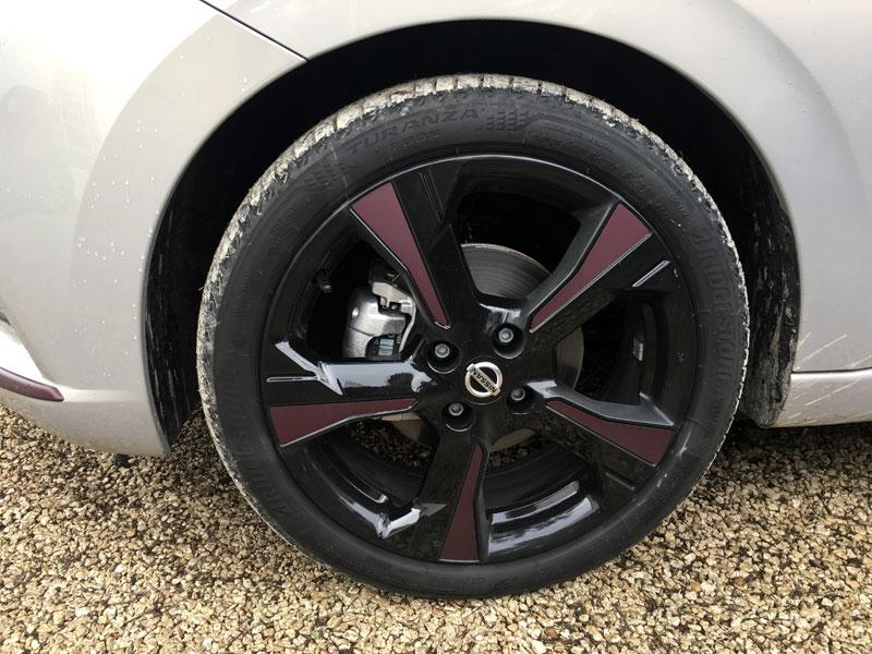 Nissan Micra. Llantas.