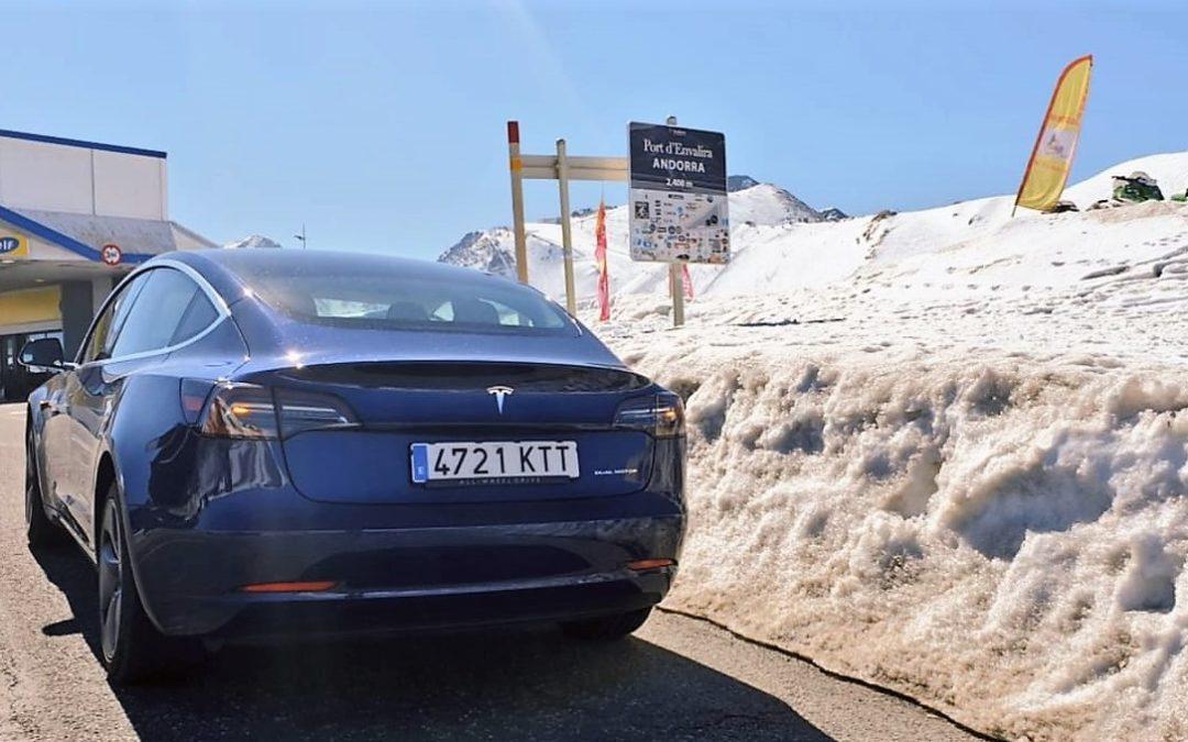 Un buen coche eléctrico. Un automóvil corriente.