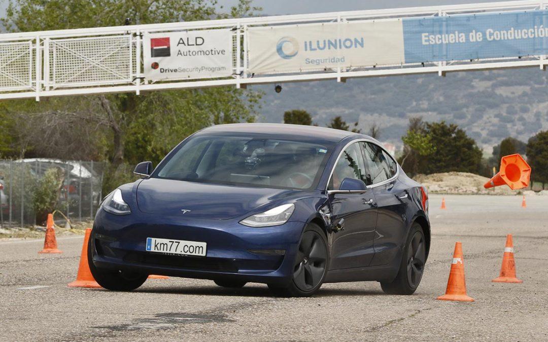 Tesla Model 3 – Maniobra de esquiva y eslalon