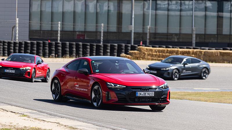 Caravana de Audi RS e-tron GT. Audi Driving Experience.