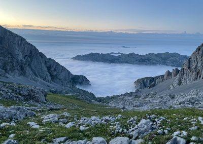Picos de Europa. Mar de Nubes. Vega del Urriellu.