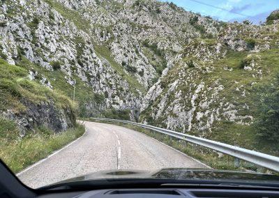Carretera As-117. Hacia el Puerto de Tarna