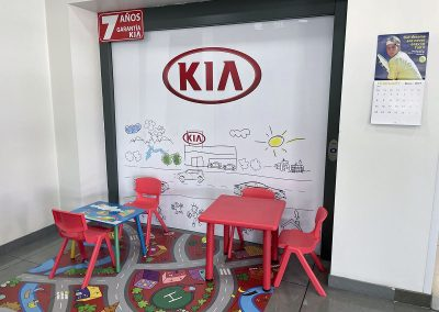 Concesionario Kia. Asturconsa. Zona para niños.