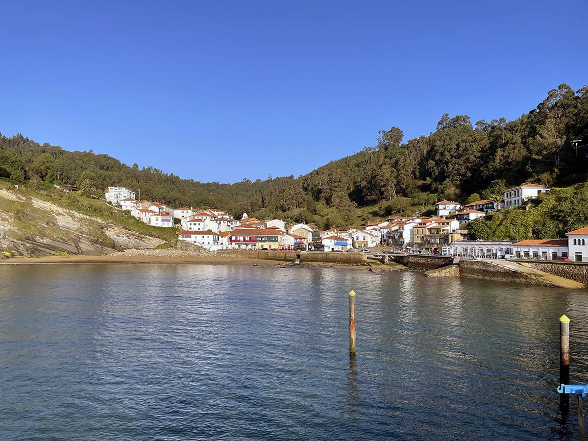 Tazones, Asturias. Aquí desembarcó Carlos V la primera vez que llegó a España.