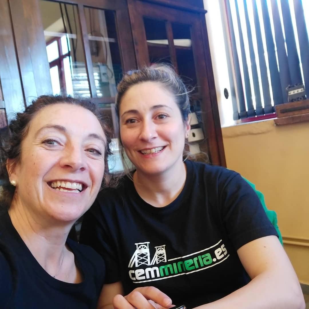 Miriam y Lorena. Centro de Experiencias. Pozo Sotón.