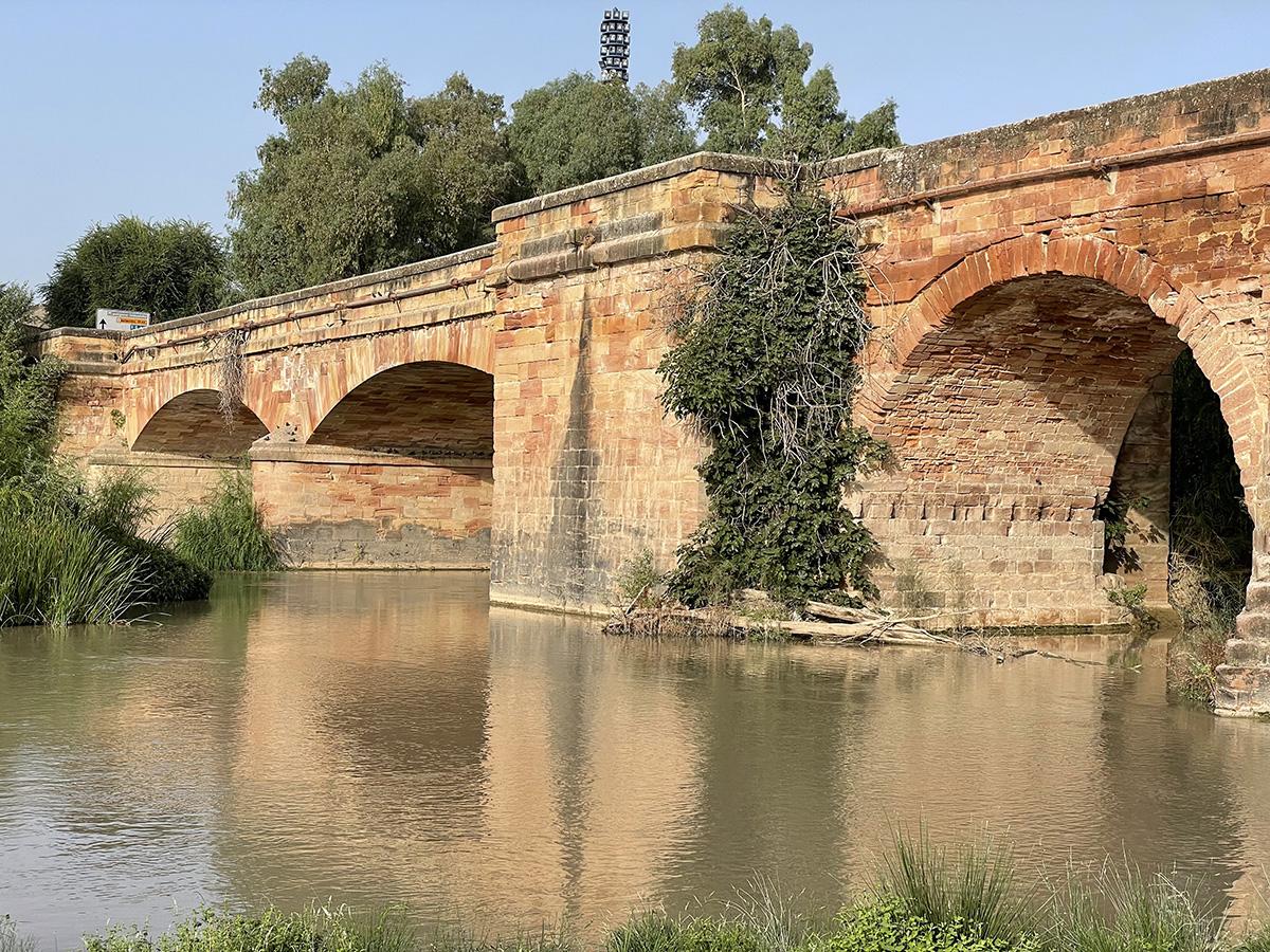 Río Guadalquivir a su paso por el puente romano de Andújar.