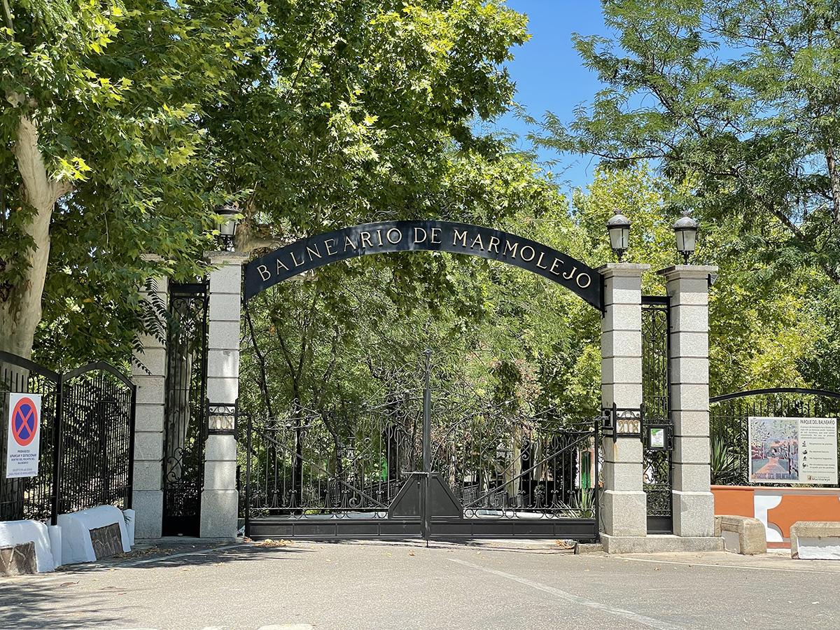 Balneario de Marmolejo. Puerta de entrada