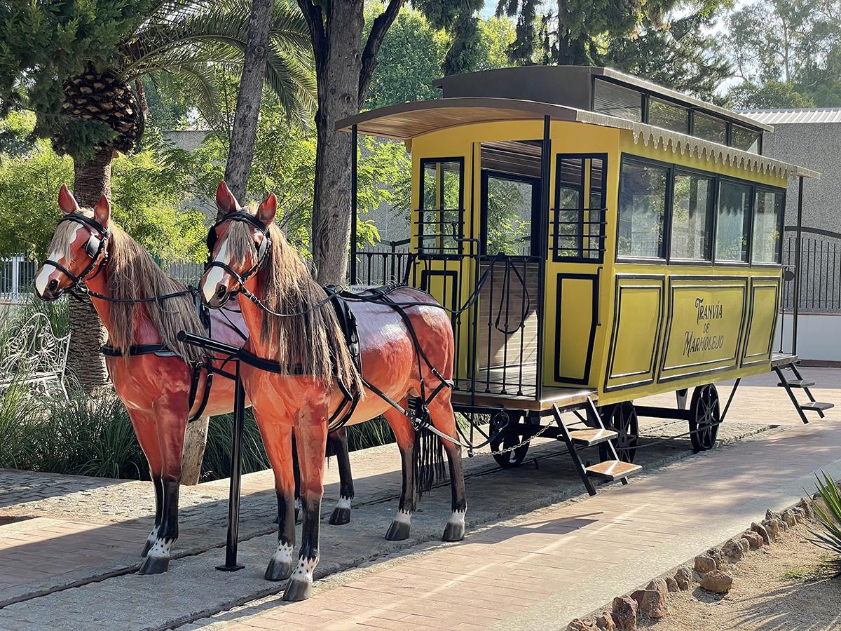 Balneario de Marmolejo. Reproducción a escala real del antiguo tranvía de sangre.
