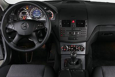Mercedes benz clase c 2007 informaci n general for Interior mercedes clase c
