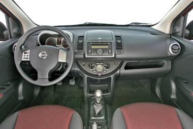 Nissan Note. Modelo 2008.