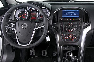 Opel Astra Sports Tourer. Modelo 2011.