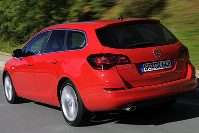 Opel Astra Sports Tourer. Modelo 2011.