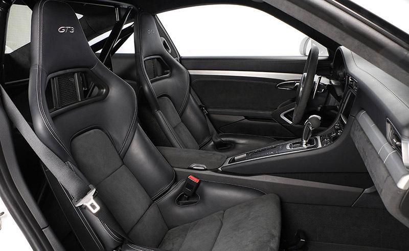 porsche-911-gt3-interior-asientos