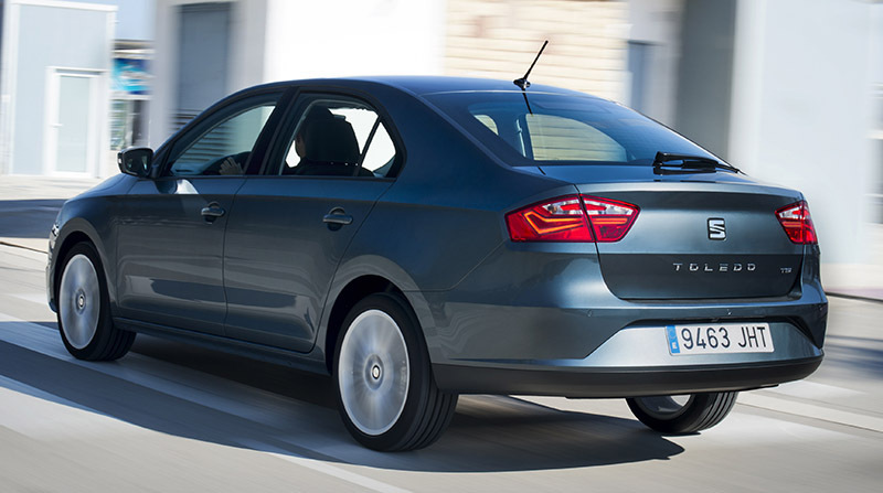 seat-toledo-lateral-posterior