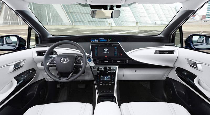 Toyota Mirai 2015. Imágenes de interior