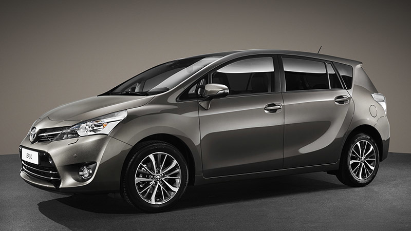 Toyota Verso. Modelo 2016. Imagen lateral fronta
