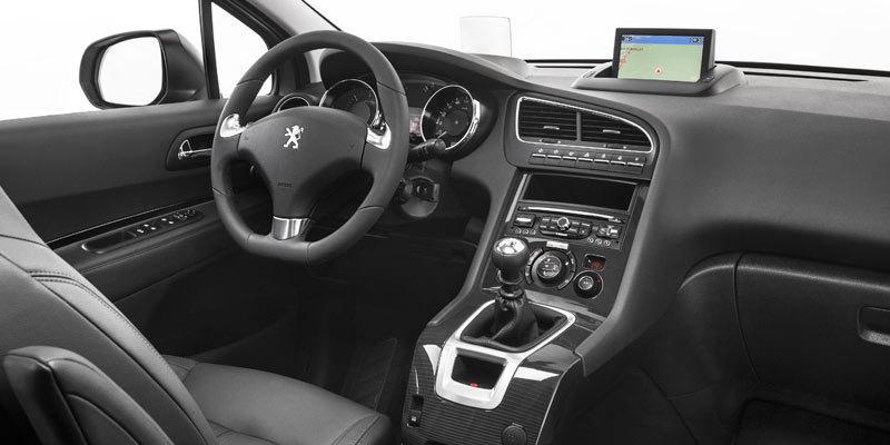 MPV battle : VW Cross Touran VS Peug 5008