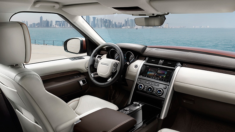 and-rover-discovery-interior-salpicadero
