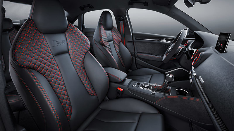 Audi RS 3 Sedan 2017. Imágenes interiores